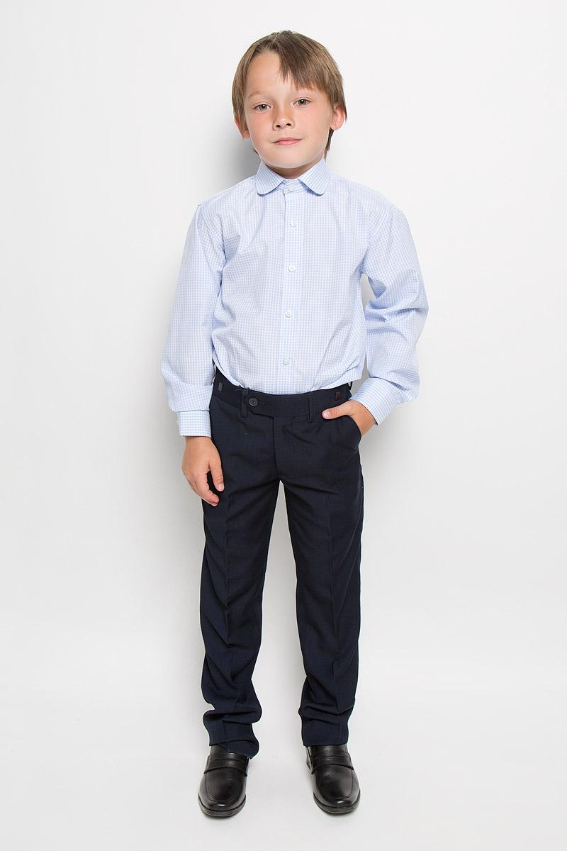 Рубашка для мальчика Imperator, цвет: голубой, белый. Graf 37. Размер 34/146-152Graf 37Рубашка для мальчика Imperator выполнена из хлопка с добавлением полиэстера. Она отлично сочетается как с джинсами, так и с классическими брюками. Материал изделия мягкий и приятный на ощупь, не сковывает движения и обладает высокими дышащими свойствами.Рубашка прямого кроя с длинными рукавами и отложным воротником застегивается на пуговицы по всей длине. Манжеты рукавов также имеют застежки-пуговицы. Оформлена модель принтом в клетку.Такая рубашка займет достойное место в детском гардеробе, а отличное качество и дизайн принесут удовольствие от покупки!