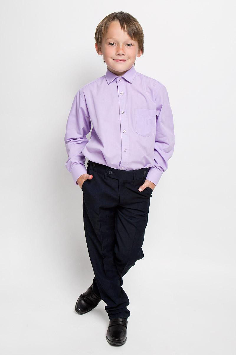 Рубашка для мальчика Imperator, цвет: сиреневый. Xen 09. Размер 33/146-152Xen 09Рубашка для мальчика Imperator отлично сочетается как с джинсами, так и с классическими брюками. Она выполнена из хлопка с добавлением полиэстера. Материал изделия мягкий и приятный на ощупь, не сковывает движения и обладает высокими дышащими свойствами.Однотонная рубашка прямого кроя с длинными рукавами имеет отложной воротник. Модель застегивается на пуговицы по всей длине. Манжеты рукавов также имеют застежки-пуговицы. На груди расположен накладной карман. Такая рубашка займет достойное место в детском гардеробе, в ней ребенку будет удобно и комфортно.