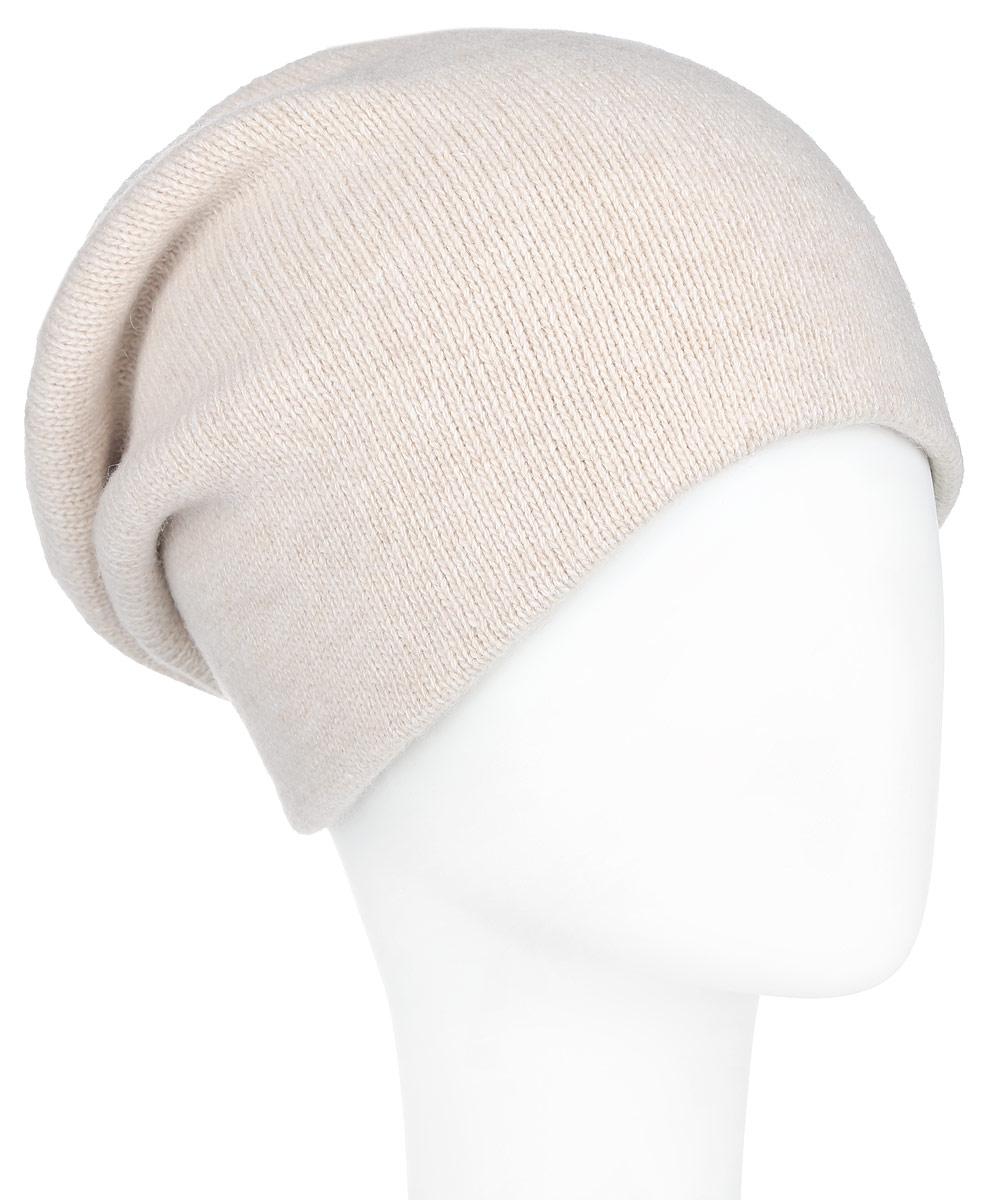 Шапка женская Finn Flare, цвет: светло-бежевый. A16-11161_314. Размер 56A16-11161_314Стильная женская шапка Finn Flare дополнит ваш наряд и не позволит вам замерзнуть в холодное время года. Шапка выполнена из высококачественной пряжи, что позволяет ей великолепно сохранять тепло и обеспечивает высокую эластичность и удобство посадки. Изделие дополнено тёплой подкладкой.Модель оформлена металлической нашивкой с названием бренда. Такая шапка станет модным и стильным дополнением вашего гардероба. Она согреет вас и позволит подчеркнуть свою индивидуальность!
