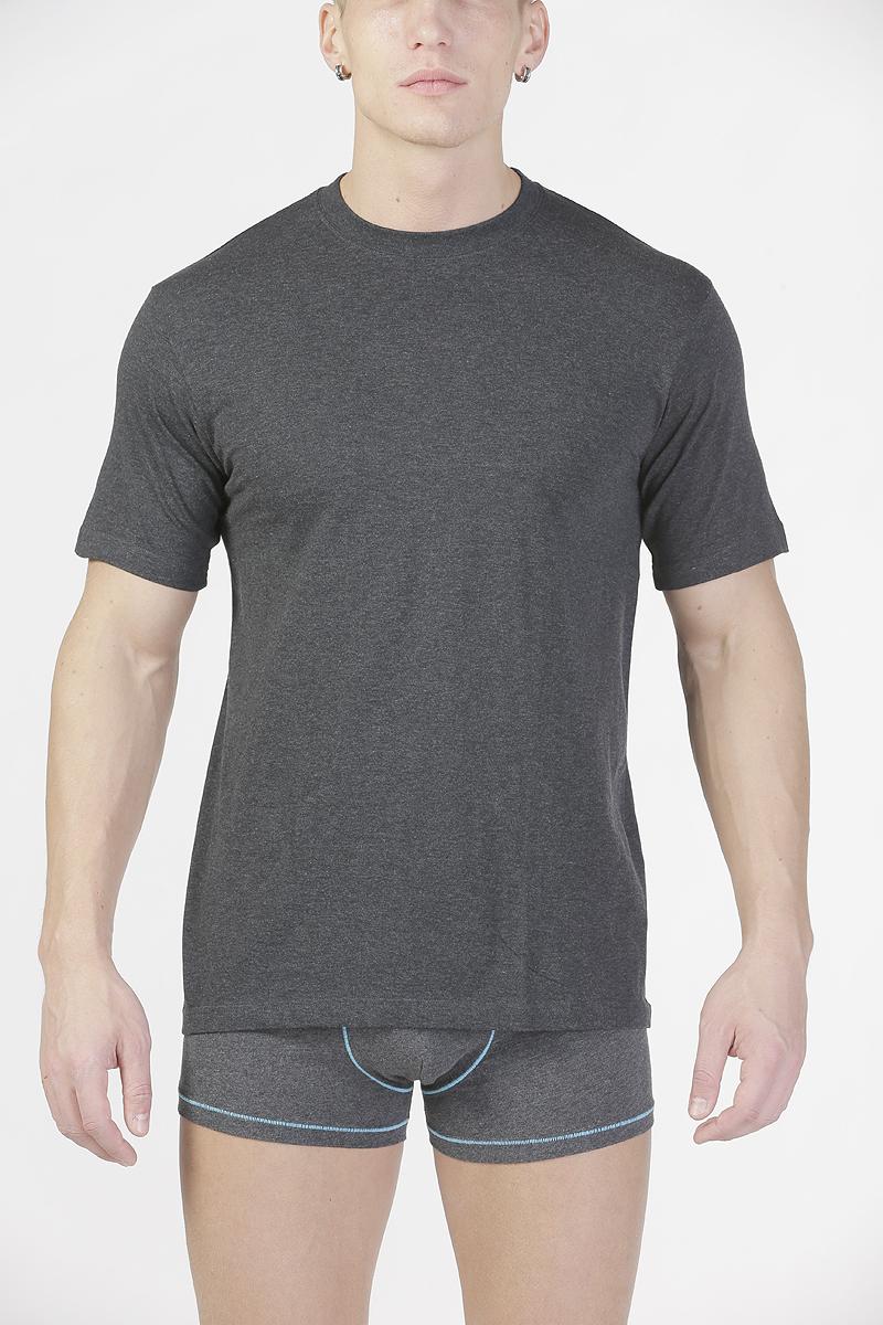 ФутболкаTMF835RМужская футболка Torro, изготовленная из натурального хлопка, мягкая и приятная на ощупь, не сковывает движения, обеспечивая наибольший комфорт. Модель с короткими рукавами и круглым вырезом горловины. Эта футболка - практичная вещь, которая, несомненно, впишется в ваш гардероб, в ней вы будете чувствовать себя уютно и комфортно.