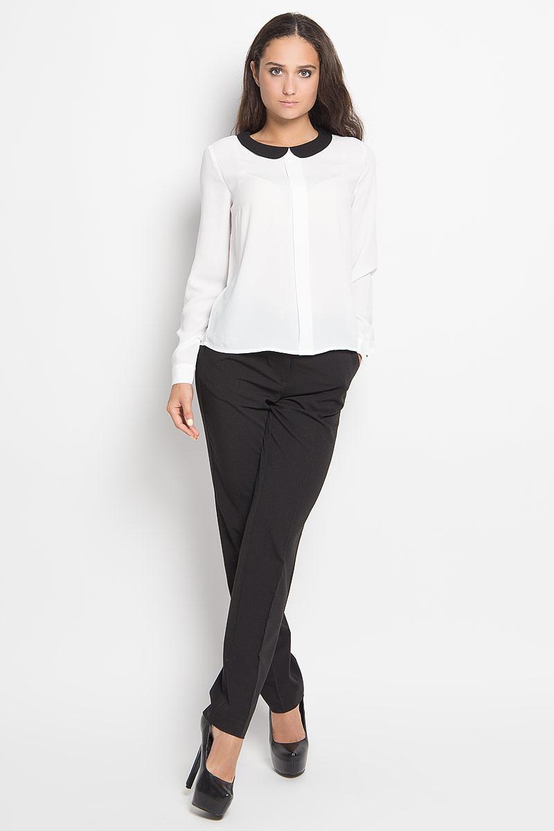 БлузкаTw-112/193-6351Стильная женская блуза Sela, выполненная из 100% полиэстера, подчеркнет ваш уникальный стиль и поможет создать оригинальный женственный образ. Модель с отложным воротником и длинными рукавами застегивается на пуговицу сзади. Низ рукавов дополнен манжетами на пуговицах. Спереди изделие оформлено небольшой складкой. Такая блузка будет дарить вам комфорт в течение всего дня и послужит замечательным дополнением к вашему гардеробу.