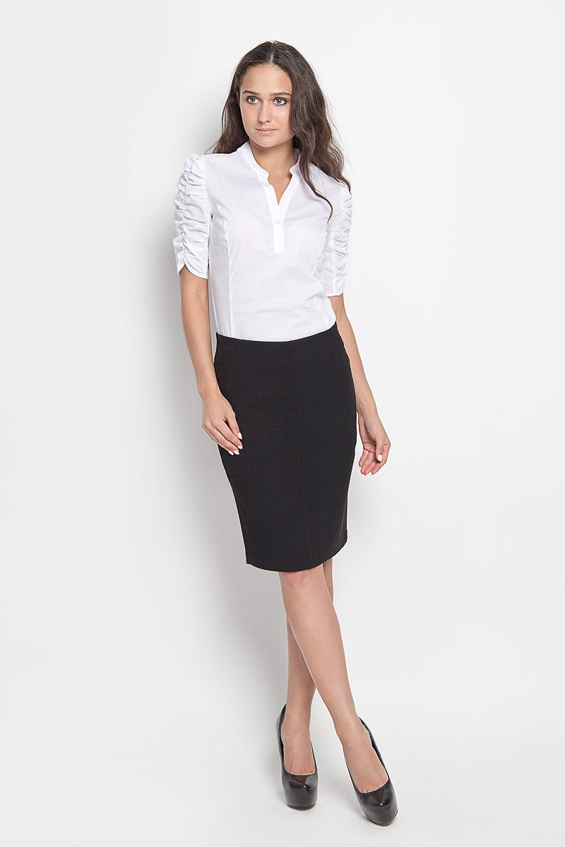 ЮбкаSK-118/840-6321Модная юбка-карандаш Sela, изготовленная из высококачественного комбинированного материала, подарит ощущение радости и комфорта. Изделие дополнено тонкой подкладкой. Модель длины миди сзади застегивается на застежку-молнию и крючок. В среднем шве юбка дополнена шлицей. В этой юбке вы всегда будете чувствовать себя неотразимой.
