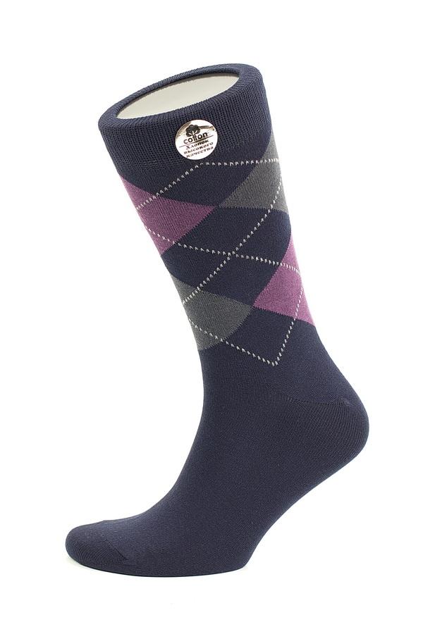 Носки мужские Uomo Fiero, цвет: темно-синий. MS059. Размер 39/41MS059Мужские носки Uomo Fiero изготовлены из высококачественного хлопкового волокна, которое обеспечивает великолепную посадку. Носкиимеют классический паголенок и отличаются элегантным внешним видом. Удобная широкая резинка идеально облегает ногу и не пережимает сосуды, усиленные пятка и мысок повышают износоустойчивость носка. Модель оформлена геометрическим орнаментом. Удобные и комфортные носки великолепно подойдут к любой вашей обуви.