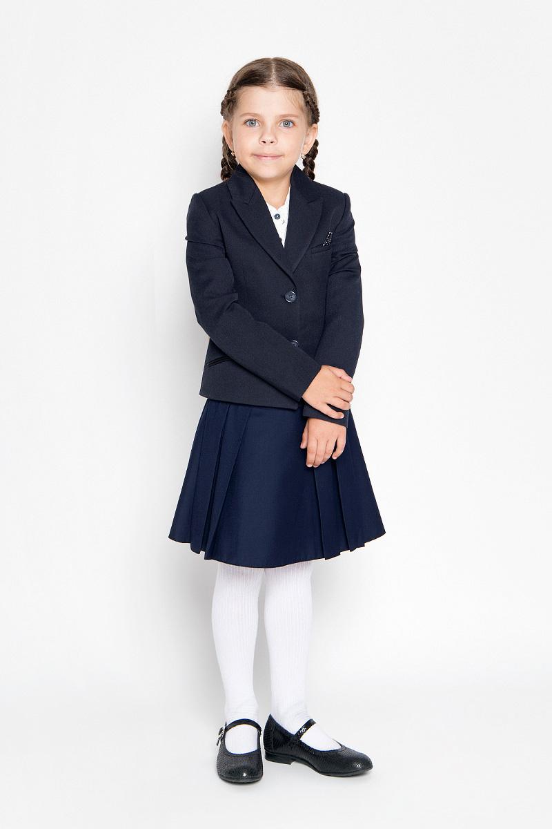 Жакет64122_OLG, вариант 1Классический жакет для девочки Orby School - это базовый атрибут в школьном гардеробе, необходимый для будней и праздников. Изготовленный из полиэстера с добавлением вискозы и эластана, этот жакет необычайно мягкий и приятный на ощупь, не сковывает движения малышки и не раздражает даже самую нежную и чувствительную кожу ребенка, обеспечивая наибольший комфорт. Классический жакет с воротником с лацканами и длинными рукавами застегивается спереди на пуговицы. Спереди жакет дополнен втачным нагрудным кармашком, а также оформлен имитацией втачных карманов снизу. Изделие имеет формованные подплечники. Являясь важным атрибутом школьной моды, классический жакет подчеркнет деловой имидж ученицы, придавая ей уверенность.