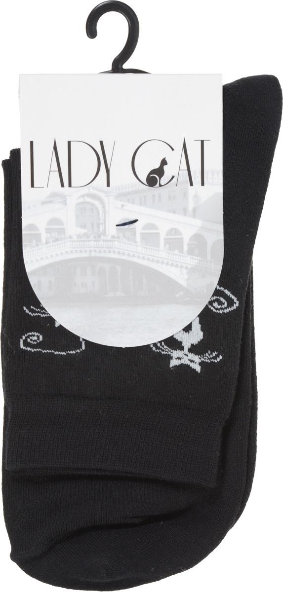 НоскиМ 3001Удобные женские носки Lady Cat, изготовленные из высококачественного материала, очень мягкие и приятные на ощупь, позволяют коже дышать. Эластичная резинка плотно облегает ногу, не сдавливая ее, обеспечивая комфорт и удобство. Носки со стандартным паголенком оформлены забавным принтом в виде кошек. Удобные и комфортные носки великолепно подойдут к любой вашей обуви.