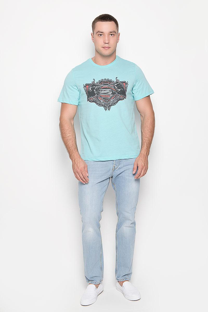 Футболка мужская RHS Batman vs Superman, цвет: ментоловый. 42943. Размер XXL (54)42943Оригинальная мужская футболка RHS Batman vs Superman, выполненная из высококачественного хлопка, обладает высокой теплопроводностью, воздухопроницаемостью и гигроскопичностью, позволяет коже дышать. Модель с короткими рукавами и круглым вырезом горловины, оформлена принтом спереди на тему легендарного комикса Batman. Горловина дополнена эластичной трикотажной резинкой.Идеальный вариант для тех, кто ценит комфорт и качество.