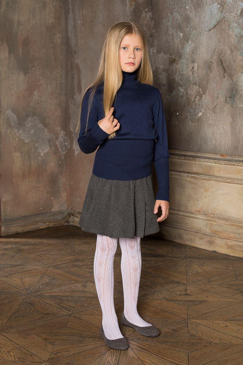 Водолазка209Вязаная водолазка для девочки Luminoso выполнена из мягкой пряжи с воротником-гольф и длинными рукавами.