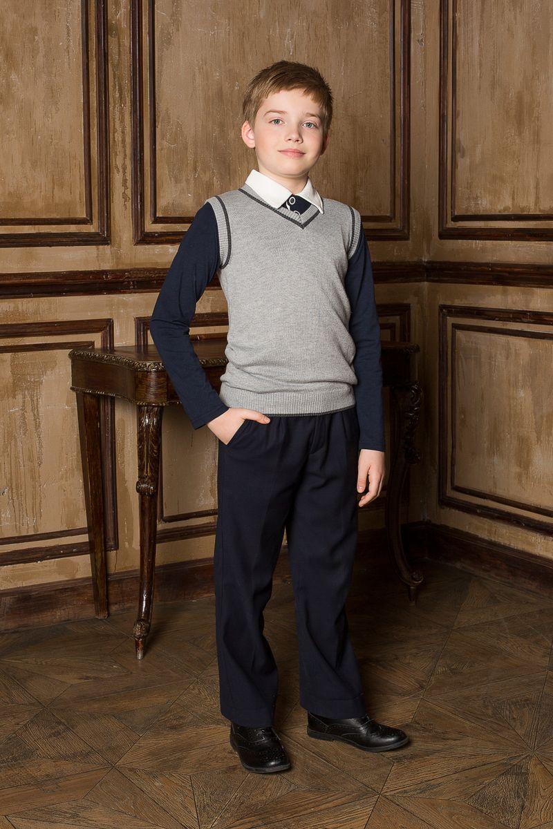 Жилет для мальчика Luminoso, цвет: серый меланж. 206620. Размер 146206620Классический вязаный жилет для мальчика Luminoso с V-образным вырезом горловины. Изделие не скатывается и хорошо держит форму.