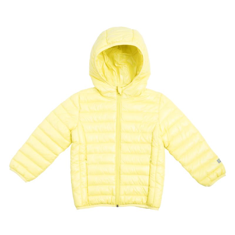 Куртка для мальчика PlayToday, цвет: желтый. 361003. Размер 116361003Яркая стеганая куртка для мальчика с несъемным капюшоном выполнена из нейлона с водоотталкивающей пропиткой. Куртка с высоким воротником, защищающим от ветра, застегивается на молнию с защитой подбородка и внутренней ветрозащитной планкой и дополнена двумя прорезными карманами на молнии. Капюшон, рукава и низ изделия дополнены мягким эластичным кантом.