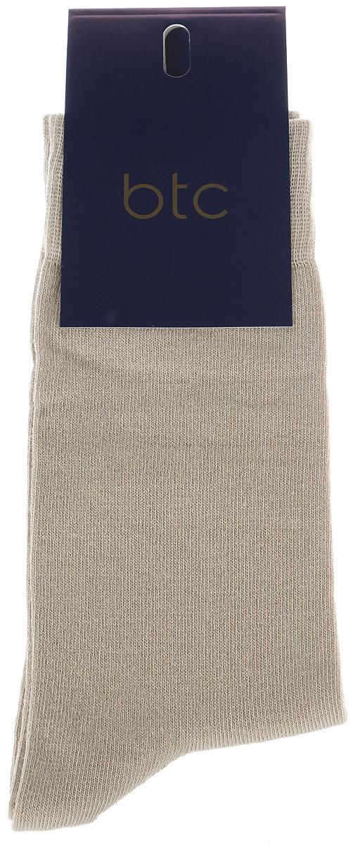 Носки мужские BTC, цвет: бежевый. 12.019189. Размер 23/2512.019189Удобные носки BTC, изготовлены из высококачественного комбинированного материала, который обеспечивает великолепную посадку.Очень мягкие и приятные на ощупь. Эластичная резинка плотно облегает ногу, не сдавливая ее, обеспечивая комфорт и удобство.Практичные и комфортные носки великолепно подойдут к любой вашей обуви.