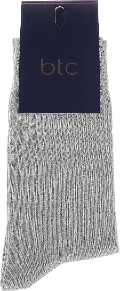 Носки мужские BTC, цвет: светло-серый. 12.019190. Размер 31/3312.019190Удобные носки BTC изготовлены из высококачественного комбинированного материала, который обеспечивает великолепную посадку.Очень мягкие и приятные на ощупь. Эластичная резинка плотно облегает ногу, не сдавливая ее, обеспечивая комфорт и удобство.Практичные и комфортные носки великолепно подойдут к любой вашей обуви.