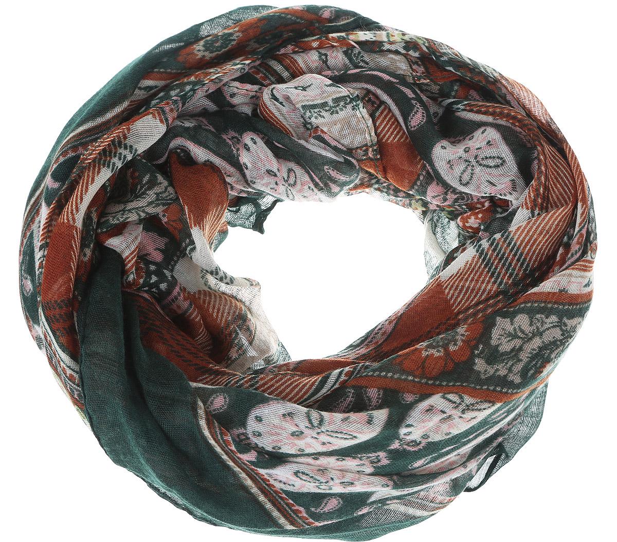 ШарфB313_Deep Forest PrintedМодный женский шарф Baon подарит вам уют и станет стильным аксессуаром, который призван подчеркнуть вашу индивидуальность и женственность. Легкий шарф выполнен из вискозы с добавлением шелка, он невероятно мягкий и приятный на ощупь. Шарф оформлен этническим орнаментом. Этот модный аксессуар гармонично дополнит образ современной женщины, следящей за своим имиджем и стремящейся всегда оставаться стильной и элегантной. Такой шарф украсит любой наряд и согреет вас в непогоду, с ним вы всегда будете выглядеть изысканно и оригинально.