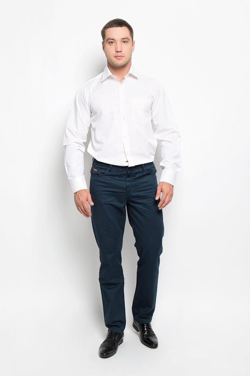 Рубашка мужская BTC, цвет: молочный. 12.014874. Размер 56-17612.014874Мужская рубашка BTC, выполненная из высококачественного материала, станет замечательным дополнением к вашему гардеробу. Изделие мягкое, тактильно приятное, не сковывает движений и хорошо пропускает воздух, обеспечивая комфорт при носке.Модель прямого кроя с отложным воротником и длинными рукавами застегивается спереди на пуговицы по всей длине. Манжеты дополнены застежками-пуговицами. На груди расположен накладной карман. Такая рубашка подчеркнет ваш вкус и поможет создать стильный образ!