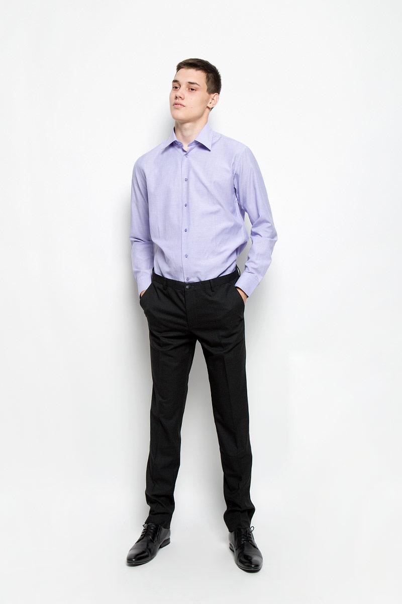 Рубашка12.014853Мужская рубашка BTC изготовлена из натурального хлопка. Ткань изделия мягкая, тактильно приятная, не сковывает движения и позволяет коже дышать. Рубашка с отложным воротником и длинными рукавами застегивается спереди на пуговицы по всей длине. На манжетах предусмотрены застежки-пуговицы. Модель имеет слегка приталенный силуэт. Рубашка будет дарить вам комфорт в течение всего дня и станет отличным дополнением к вашему гардеробу!