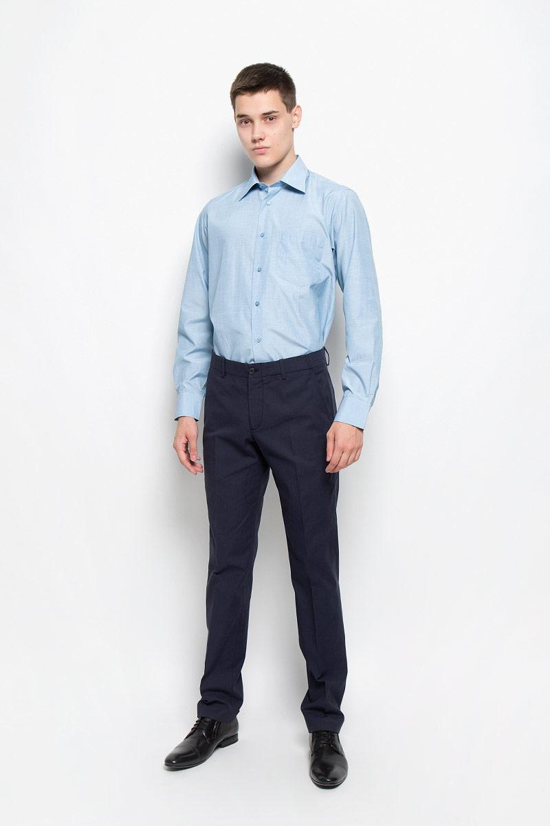 Рубашка мужская BTC, цвет: голубой. 12.014863. Размер 46-17612.014863Мужская рубашка BTC изготовлена из хлопка с добавлением полиэстера. Ткань изделия мягкая, тактильно приятная, не сковывает движения и хорошо пропускает воздух. Рубашка с отложным воротником и длинными рукавами застегивается спереди на пуговицы по всей длине. На манжетах предусмотрены застежки-пуговицы. Модель дополнена на груди накладным карманом. Рубашка будет дарить вам комфорт в течение всего дня и станет отличным дополнением к вашему гардеробу!