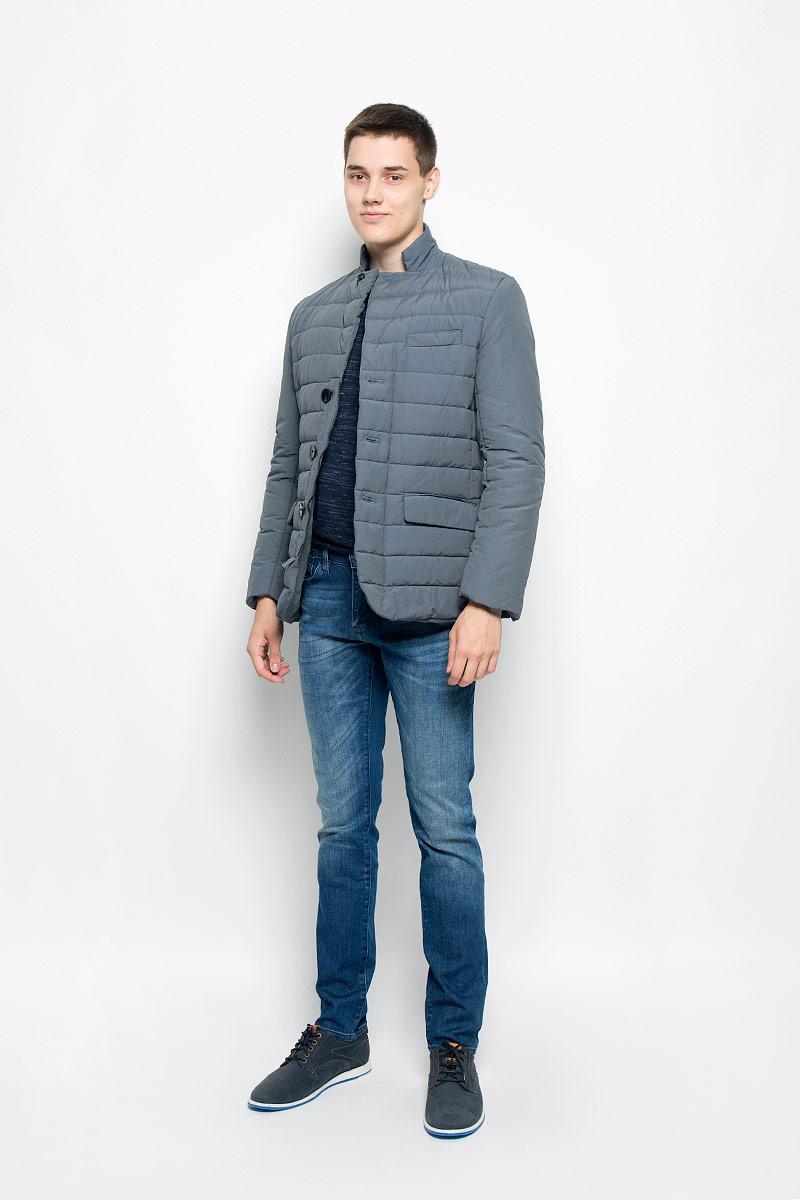 КурткаMX3000582Теплая мужская куртка, выполненная из хлопка с добавлением полиамида, не сковывает движения, обеспечивая наибольший комфорт. Модель имеет три декоративных кармана. Застегивается на молнию и дополнена ветрозащитным клапаном. На рукавах имеются декоративные пуговицы. Такая куртка обеспечит вам не только красивый внешний вид и комфорт, но и дополнительную защиту от холода и ветра.