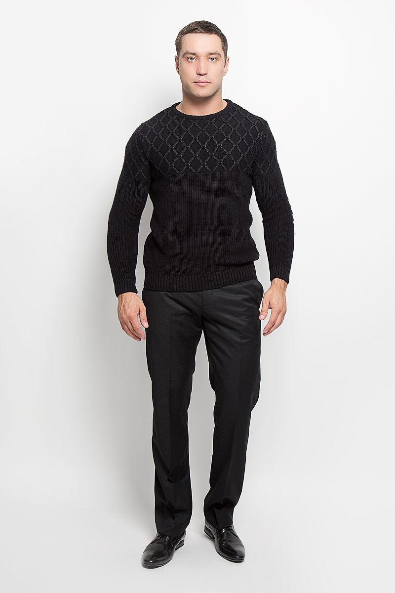 Брюки7HNTP001000Стильные мужские брюки Mexx, выполненные из полиэстера и шерсти, отлично дополнят ваш образ. Ткань изделия тактильно приятная. Брюки застегиваются на пластиковую пуговицу и имеют ширинку на застежке-молнии. С внутренней стороны имеется дополнительная застежка-пуговица. На поясе предусмотрены шлевки для ремня. Спереди модель дополнена двумя втачными карманами, сзади - двумя прорезными карманами на застежках-пуговицах. Высокое качество кроя и пошива, актуальный дизайн и расцветка придают изделию неповторимый стиль и индивидуальность. Модель займет достойное место в вашем гардеробе!