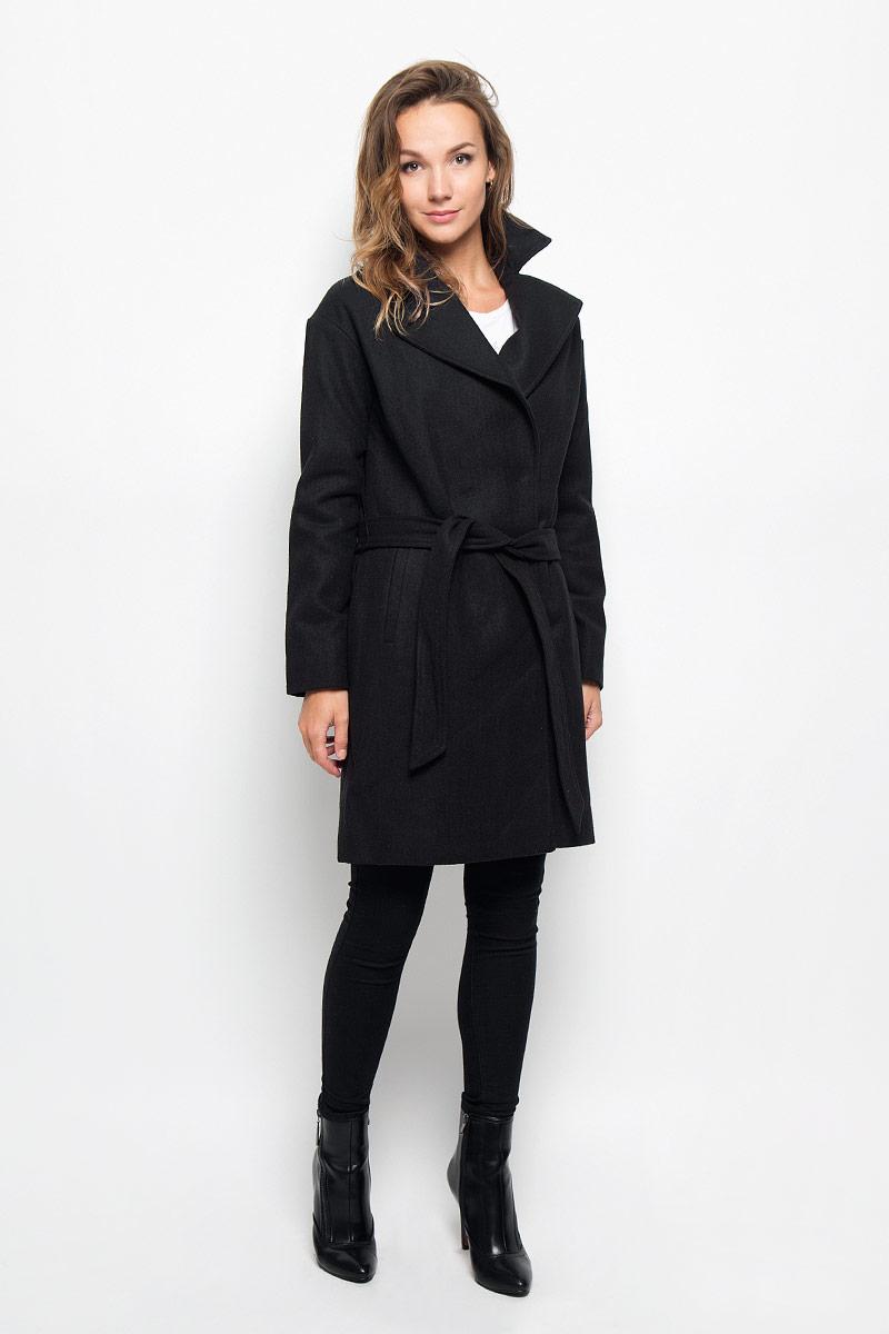 ПальтоCe-126/679-6312Элегантное женское пальто Sela подчеркнет вашу индивидуальность. Пальто изготовлено из высококачественного материала с подкладкой из 100% полиэстера. Модель приталенного силуэта с воротником с лацканами застегивается на кнопки, а также к модели прилагается пояс. Спереди пальто дополнено двумя прорезными карманами. Подчеркните свой изысканный вкус этим превосходным пальто.