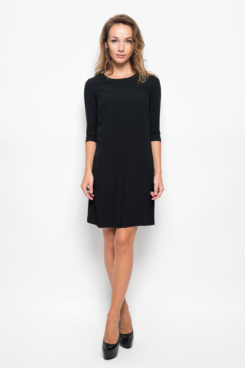 Платье Sela Casual, цвет: черный. D-117/1053-6342. Размер 44D-117/1053-6342Элегантное платье Sela Casual выполнено из высококачественного эластичного полиэстера с подкладкой из 100% полиэстера. Такое платье обеспечит вам комфорт и удобство при носке и непременно вызовет восхищение у окружающих.Модель средней длины с рукавами 3/4 и круглым вырезом горловины выгодно подчеркнет все достоинства вашей фигуры. Изделие застегивается на застежку-молнию на спинке. Изысканное платье создаст обворожительный и неповторимый образ.Это модное и комфортное платье станет превосходным дополнением к вашему гардеробу, оно подарит вам удобство и поможет подчеркнуть ваш вкус и неповторимый стиль.