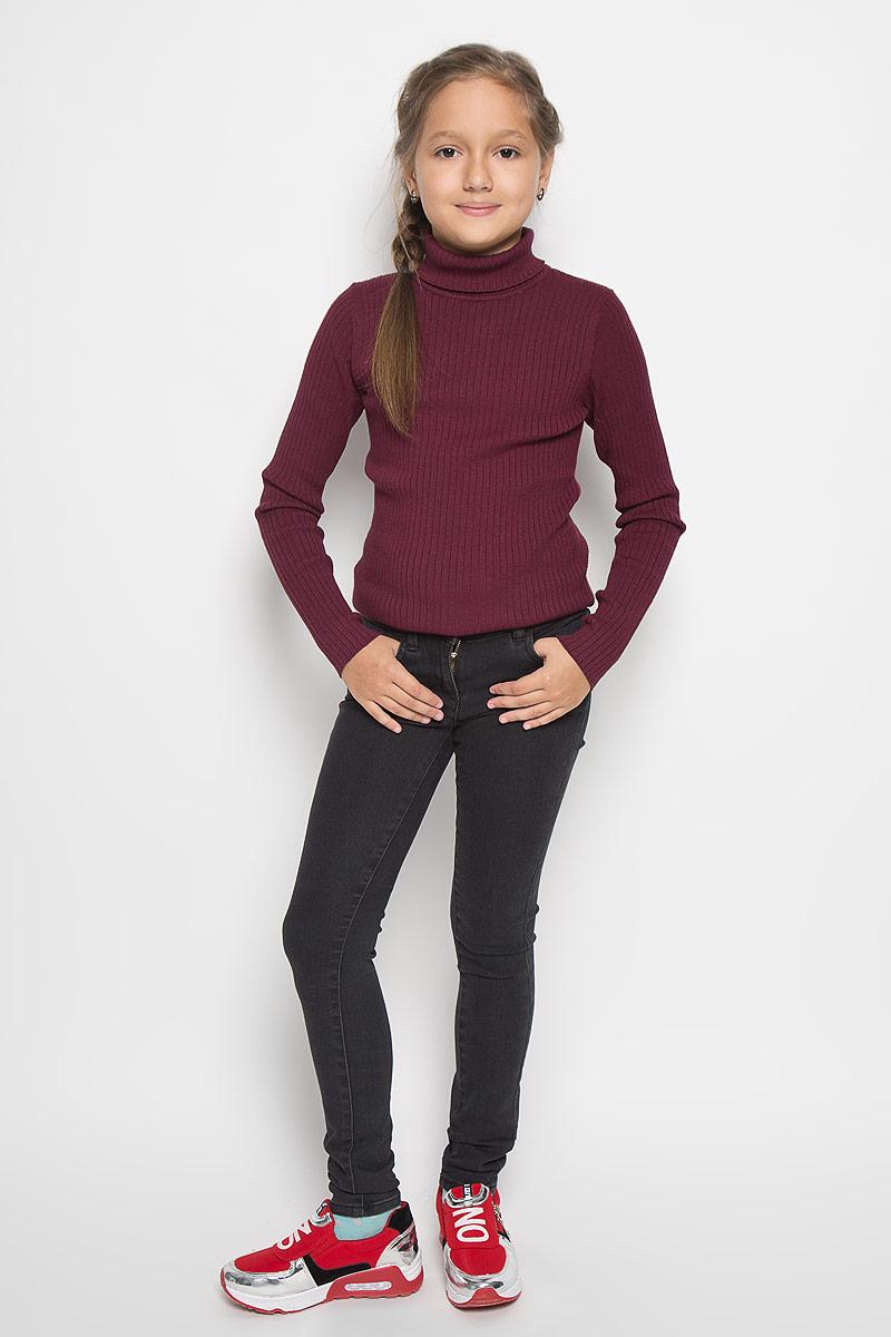 Джинсы6204643.09.40Стильные джинсы для девочки Tom Tailor идеально подойдут вашей маленькой принцессе для отдыха и прогулок. Изготовленные из хлопка с добавлением полиэстера и эластана, они необычайно мягкие и приятные на ощупь, не сковывают движения малышки и позволяют коже дышать, не раздражают даже самую нежную и чувствительную кожу ребенка, обеспечивая ему наибольший комфорт. Джинсы-дудочки на талии застегиваются на металлическую пуговицу, также имеются шлевки для ремня и ширинка на металлической застежке-молнии. С внутренней стороны пояс регулируется резинкой на пуговицах. Модель спереди дополнена двумя карманами, а сзади - двумя оригинальными накладными карманами. Оригинальный современный дизайн и модная расцветка делают эти джинсы модным и стильным предметом детского гардероба. В них ваша маленькая модница всегда будет в центре внимания!