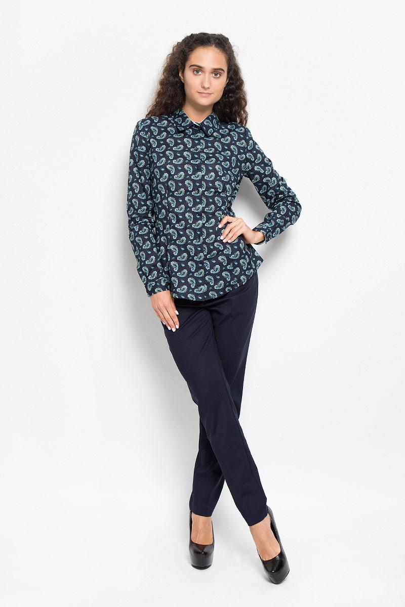 РубашкаB176527_DARK NAVY PRINTEDОчаровательная женская рубашка Baon, выполненная из натурального хлопка, подчеркнет ваш уникальный стиль и поможет создать оригинальный женственный образ. Модная рубашка с отложным воротником и длинными рукавами застегивается на семь пластиковых пуговиц. Модель оформлена оригинальным принтом. На манжетах предусмотрены застежки-пуговицы. Такая рубашка будет дарить вам комфорт в течение всего дня и послужит замечательным дополнением к вашему гардеробу.