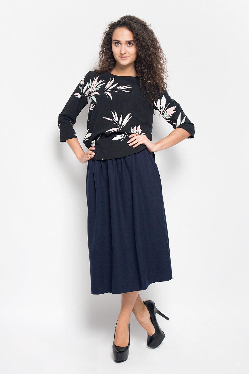 БлузкаB176522_BLACK PRINTEDСтильная женская блуза Baon, выполненная из полиэстера с добавлением эластана, подчеркнет ваш уникальный стиль и поможет создать оригинальный женственный образ. Модная блузка с круглым вырезом горловины и рукавами 3/4 застегивается на металлическую молнию, расположенную на спинке. Спинка немного удлинена. Модель оформлена оригинальным принтом. Такая блузка будет дарить вам комфорт в течение всего дня и послужит замечательным дополнением к вашему гардеробу.