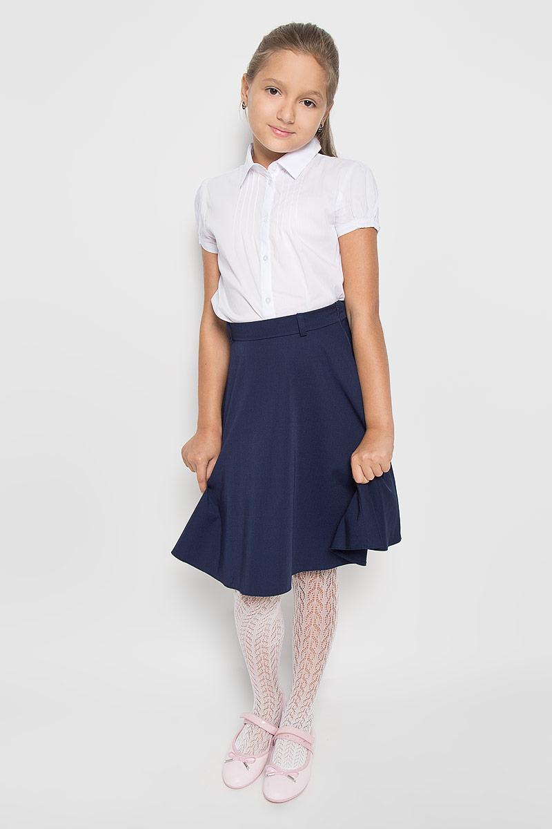 Юбка для девочки BTC, цвет: синий. 12.017819. Размер 32-14012.017819Стильная юбка для девочки BTC идеально подойдет вашей маленькой принцессе. Изготовленная из полиэстра с добавлением вискозы, она необычайно мягкая и приятная на ощупь, не сковывает движения малышки и позволяет коже дышать, не раздражает даже самую нежную и чувствительную кожу ребенка, обеспечивая ему наибольший комфорт. Юбка на талии имеет эластичную резинку, благодаря чему она не сдавливает животик ребенка и не сползает. Застегивается на молнию. С внутренней стороны пояс регулируется резинкой на пуговице, также имеются шлевки для ремня. Оригинальный современный дизайн и модная расцветка делают эту юбку стильным предметом детского гардероба. В ней ваша малышка всегда будет в центре внимания!