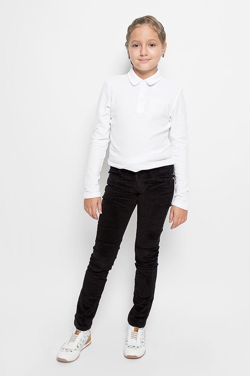 Брюки205824Стильные вельветовые брюки для девочки Luminoso изготовлены из эластичного хлопка. Брюки на поясе застегивается на оригинальную металлическую пуговицу и имеют ширинку на застежке-молнии и шлевки для ремня. При необходимости пояс можно утянуть скрытой резинкой на пуговицах. Брюки спереди дополнены двумя втачными карманами, а сзади - двумя накладными карманами.
