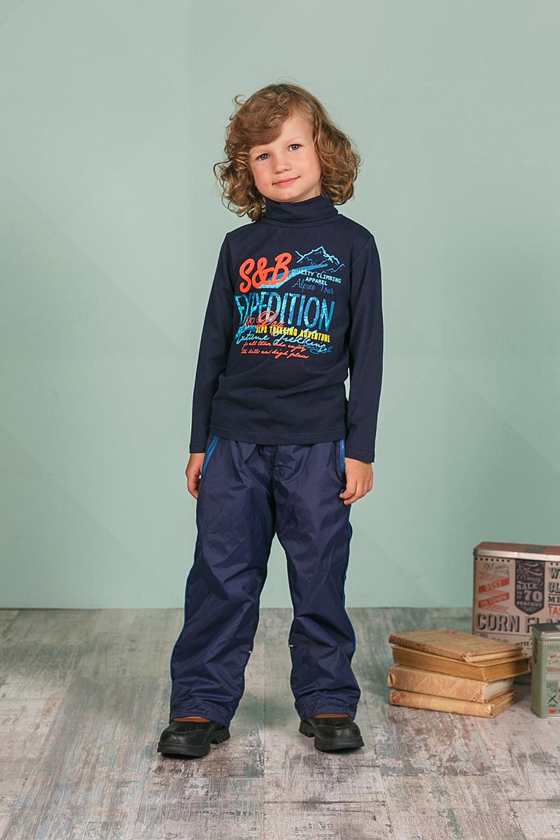Водолазка для мальчика Sweet Berry, цвет: темно-синий. 206332. Размер 110206332Водолазка для мальчика Sweet Berry изготовлена из хлопка с добавлением эластана и оформлена оригинальным принтом. Высокий воротник надежно защищает от ветра. Базовая модель позволяет создавать стильные образы.