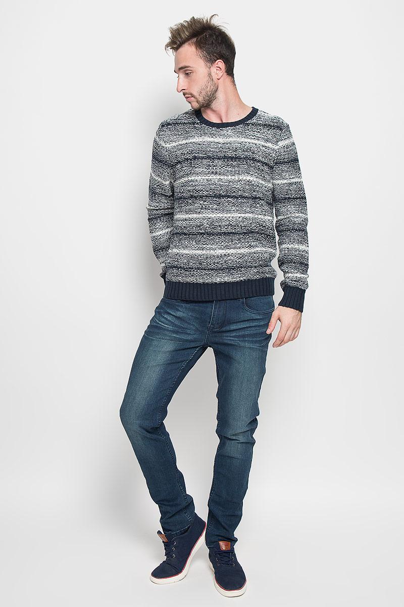 Джемпер мужской Sela, цвет: темно-синий, белый. JR-214/845-6424. Размер M (48)JR-214/845-6424Теплый мужской джемпер SELA выполненный из хлопковой пряжи согреет вас в прохладную погоду, и подчеркнет ваш стиль. Модель с круглым вырезом горловины выполнена из очень мягкого и приятного материала. Низ изделия, манжеты и горловина связаны резинкой.Лаконичный дизайн и совершенство стиля подчеркнут вашу индивидуальность.