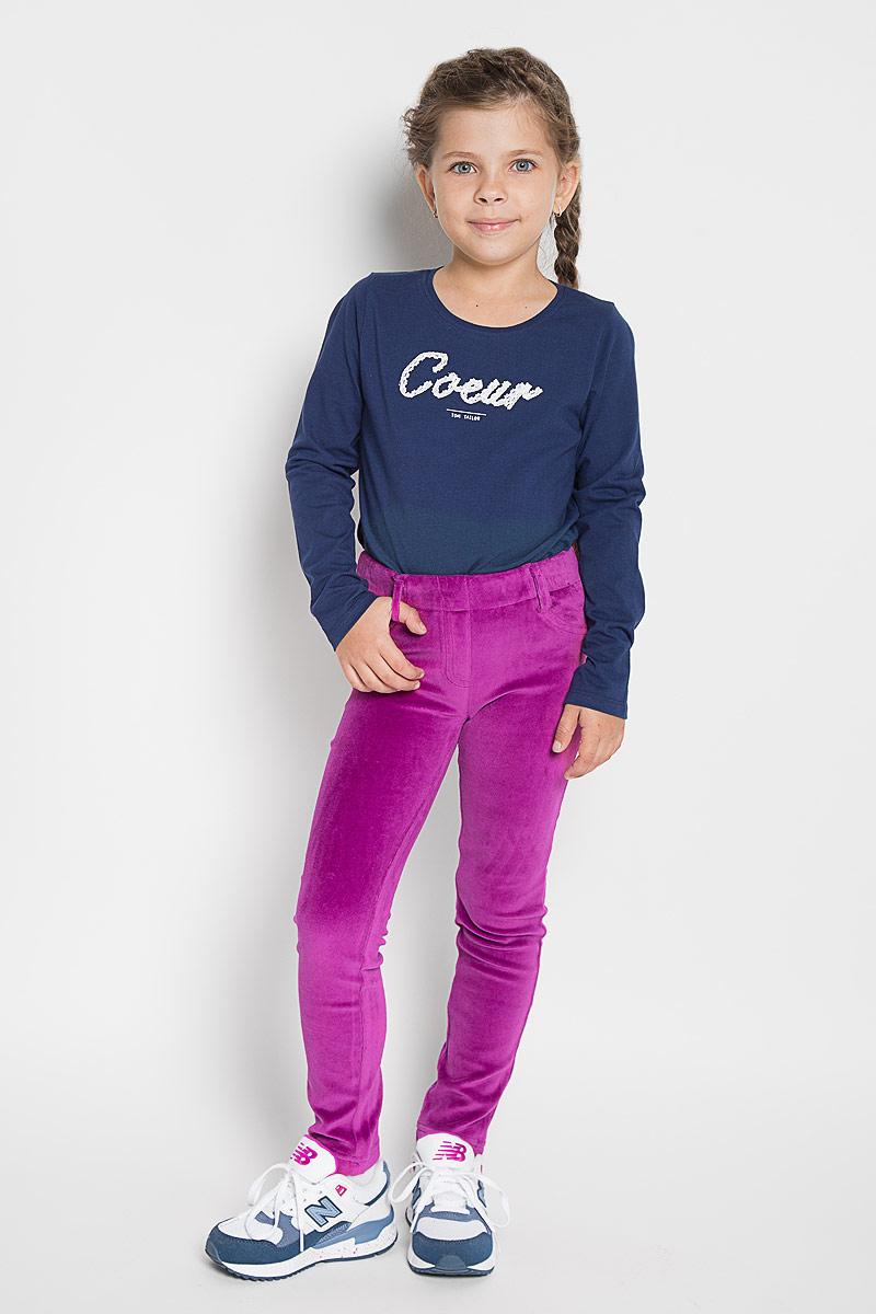 Брюки для девочки PlayToday, цвет: фуксия. 362075. Размер 104362075Мягкие велюровые брюки PlayToday для девочки идеально подойдут вашей маленькой моднице. Изготовленные из эластичного хлопка, они мягкие и приятные на ощупь, не сковывают движения, сохраняют тепло и позволяют коже дышать, обеспечивая наибольший комфорт.Стильные брюки прямого кроя на мягкой резинке с имитацией застежки и карманов. Сзади модель дополнена функциональными карманами.Практичные брюки идеально подойдут вашей малышке, а модная расцветка и высококачественный материал позволят ей комфортно чувствовать себя в течение дня!