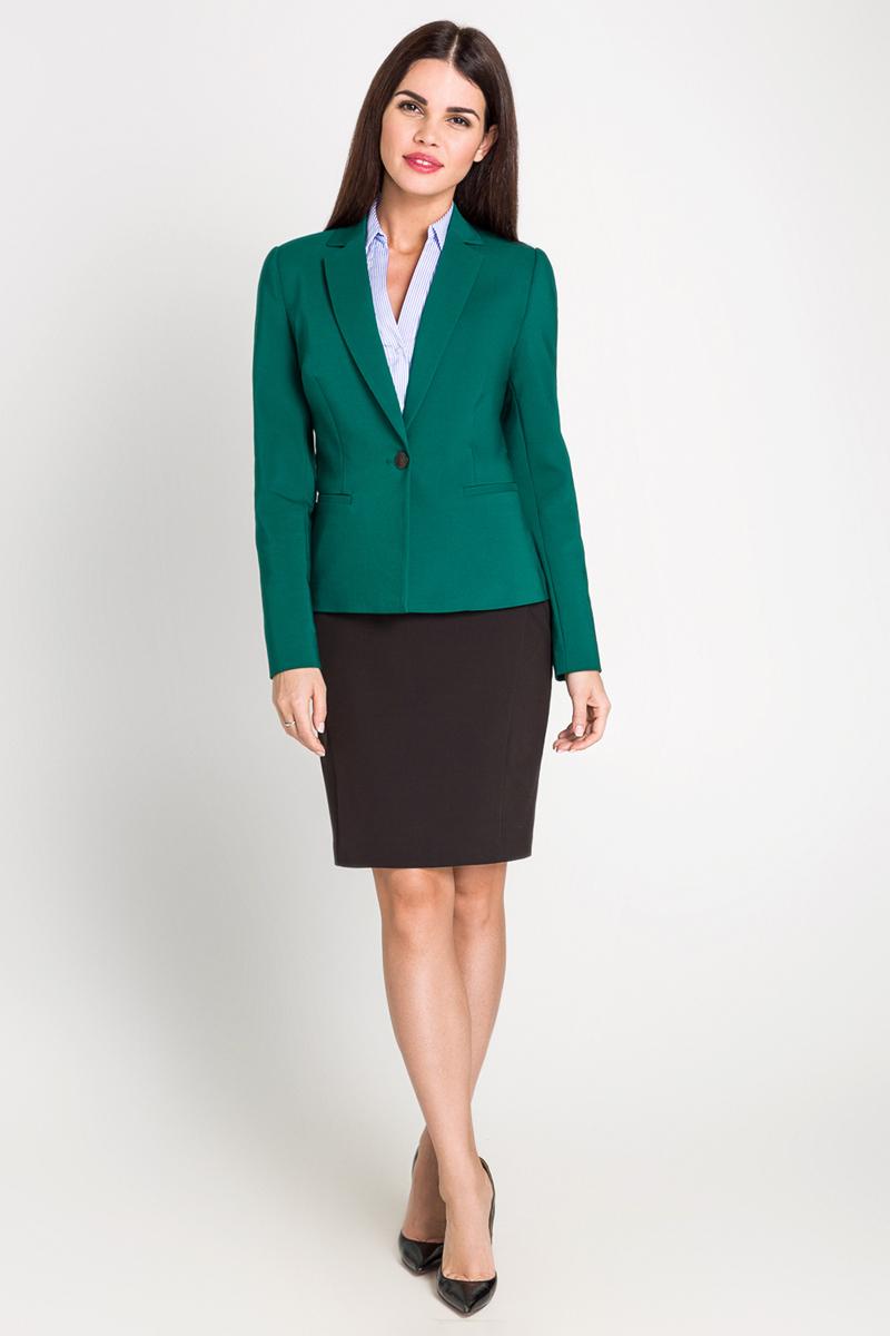 Блузка40200270064_500Классическая рубашка с коротким рукавом выполнена из эластичной ткани в полоску. Модель приталенного кроя с отложным воротником и V-образным вырезом.