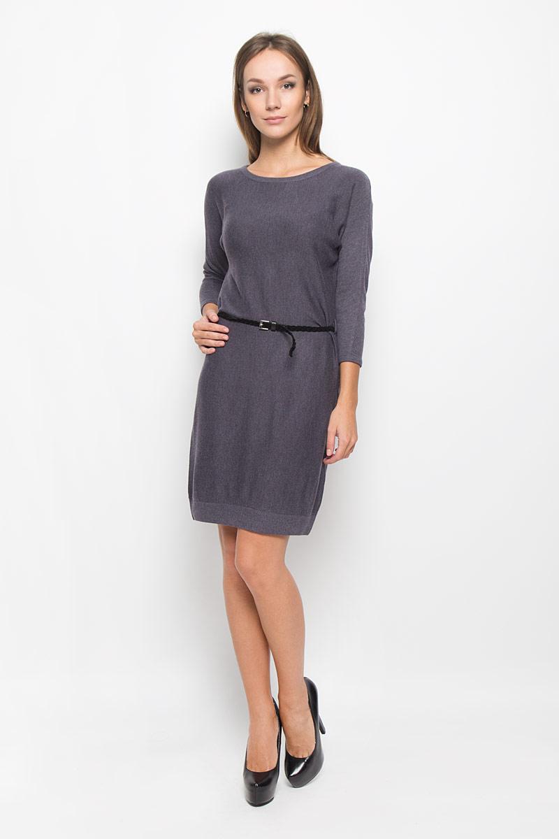 Платье Sela Casual, цвет: серый. DSw-117/1038-6393. Размер XL (50)DSw-117/1038-6393Легкое трикотажное платье Sela, изготовленное из высококачественного комбинированного материала, поможет создать привлекательный образ. Материал изделия мягкий, тактильно приятный, позволяет коже дышать. Модель с круглым вырезом горловины и цельнокроеными рукавами длинной 3/4 сзади застегивается на пуговицу. Платье дополнено тонким, текстильным пояском.Такое платье будет дарить вам комфорт в течение всего дня, и послужит замечательным дополнением к вашему гардеробу.