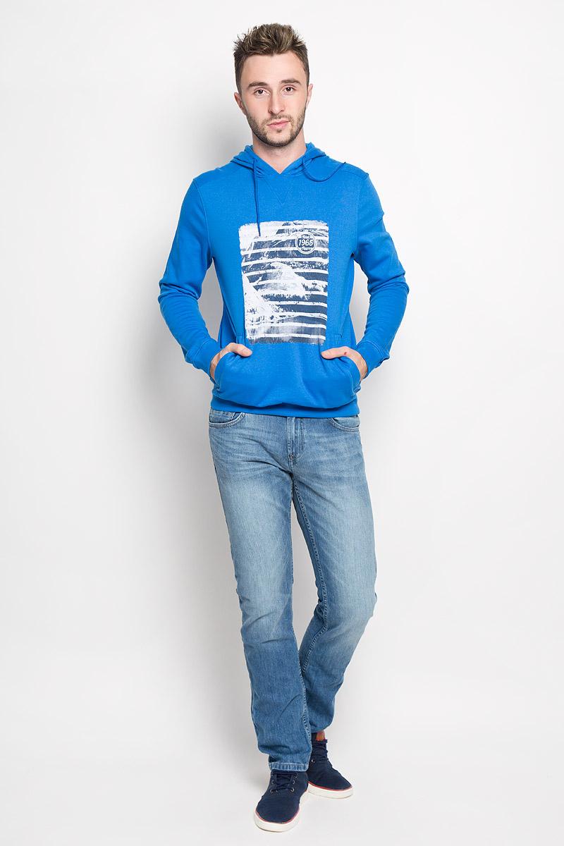 Толстовка мужская Finn Flare, цвет: синий. A16-22033_104. Размер XL (52)A16-22033_104Мужская толстовка Finn Flare, изготовленная из высококачественного материала, необычайно мягкая и приятная на ощупь, не сковывает движения, обеспечивая наибольший комфорт. Толстовка с капюшоном на кулиске оформлена оригинальным принтом. Спереди модель дополнена двумя врезными карманами. Низ изделия и манжеты дополнены широкими трикотажными резинками.Эта модная и в тоже время комфортная толстовка отличный вариант, как для активного отдыха, так и для занятий спортом!
