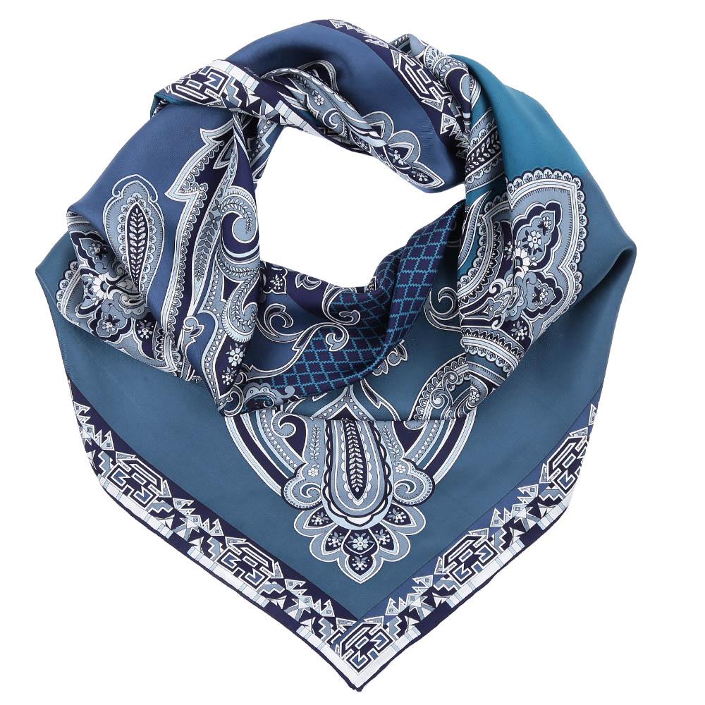 ПлатокCX1617-02-1Стильный платок станет прекрасным дополнением к вашему образу. Оформлен оригинальным принтом.