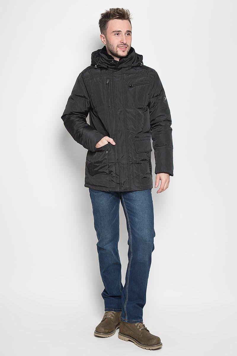 КурткаCd-226/332-6414Стильная мужская куртка Sela Casual Wear превосходно подойдет для прохладных дней. Куртка выполнена из полиэстера, она отлично защищает от дождя, снега и ветра, а наполнитель из пуха и пера превосходно сохраняет тепло. Модель с длинными рукавами и воротником-стойкой застегивается на застежку-молнию и имеет ветрозащитный клапан на кнопках. Куртка дополнена съёмным капюшоном на застежке-молнии, объем которого регулируется при помощи шнурка-кулиски со стопперами. Изделие дополнено двумя втачными карманами на кнопках, двумя втачными карманами на клапанах с кнопками и двумя втачными карманами на молниях спереди, а также внутренним втачным карманом на молнии. Рукава дополнены внутренними трикотажными манжетами. Объем талии регулируется при помощи внутреннего шнурка-кулиски. Эта модная и в то же время комфортная куртка согреет вас в холодное время года и отлично подойдет как для прогулок, так и для активного отдыха.