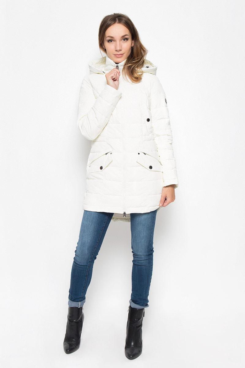 ПаркаA16-170140_101Удобное женское пальто Finn Flare согреет вас в холодную погоду и позволит выделиться из толпы. Модель с длинными рукавами и воротником-стойкой выполнена из прочного материала, застегивается на молнию спереди. Пальто имеет съемный капюшон на кнопках, объем которого регулируется при помощи шнурка-кулиски со стопперами. Изделие дополнено двумя втачными карманами на застежках-кнопках и двумя втачными карманами на застежках-молниях, декорированных клапанами на кнопках. На талии пальто дополнено скрытым шнурком-кулиской. Наполнитель из синтепона надежно сохранит тепло, благодаря чему такое пальто защитит вас от ветра и холода. Это модное и в то же время комфортное пальто - отличный вариант для прогулок, оно подчеркнет ваш изысканный вкус и поможет создать неповторимый образ.