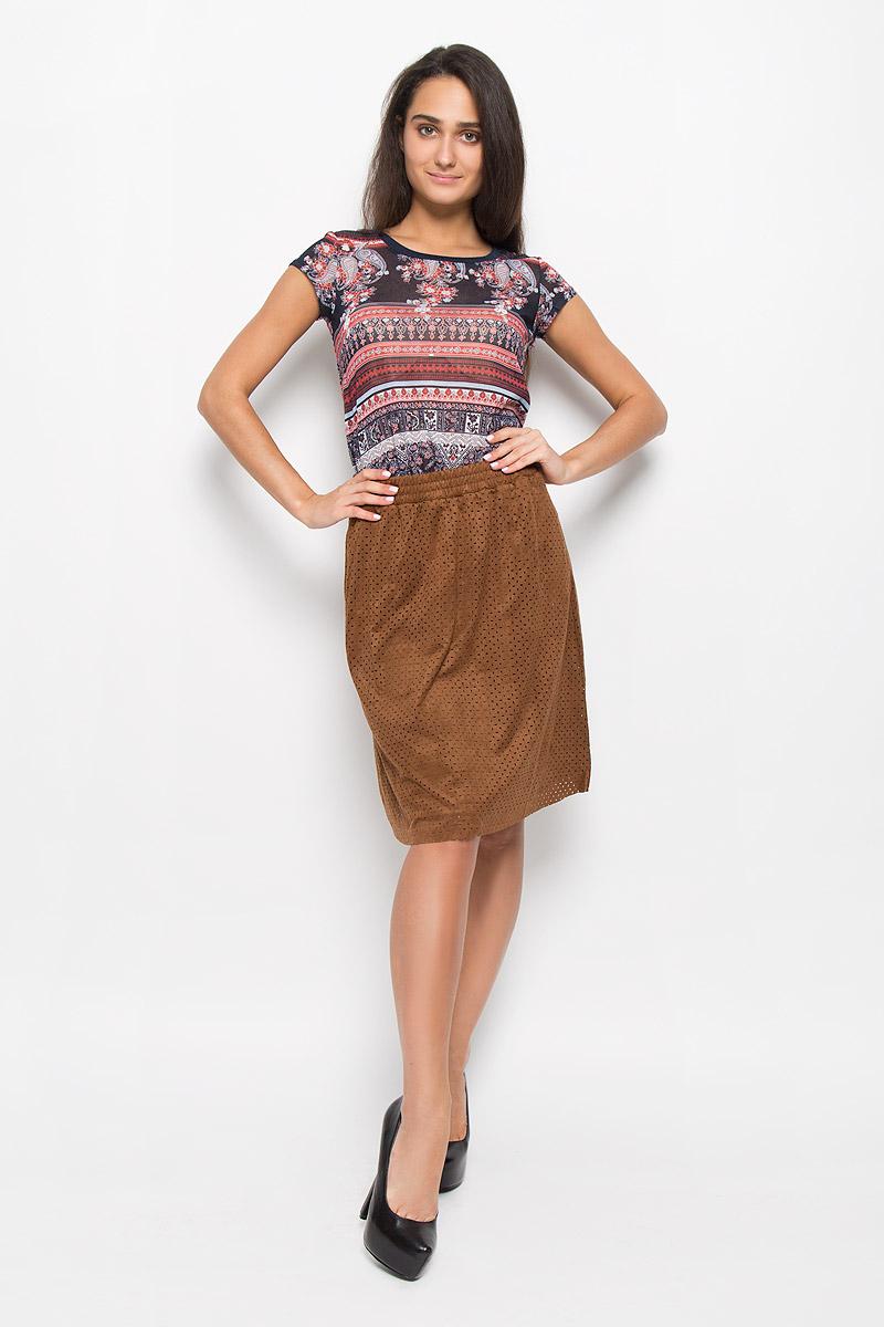 Юбка женская Sela, цвет: шоколадный. SKk-118/043-6373. Размер S (44)SKk-118/043-6373Стильная юбка Sela поможет создать оригинальный женственный образ. Изготовленная из полиэстера с добавлением эластана, она не сковывает движения и обеспечивает удобство при носке.Модель-миди имеет стильный пояс на резинке. Верх юбки выполнен из замшевой ткани, которая оформлена мелким прорезным узором. Дополнено изделие двумя боковыми карманами. Модная юбка займет достойное место в вашем гардеробе и будет дарить вам комфорт в течение всего дня.