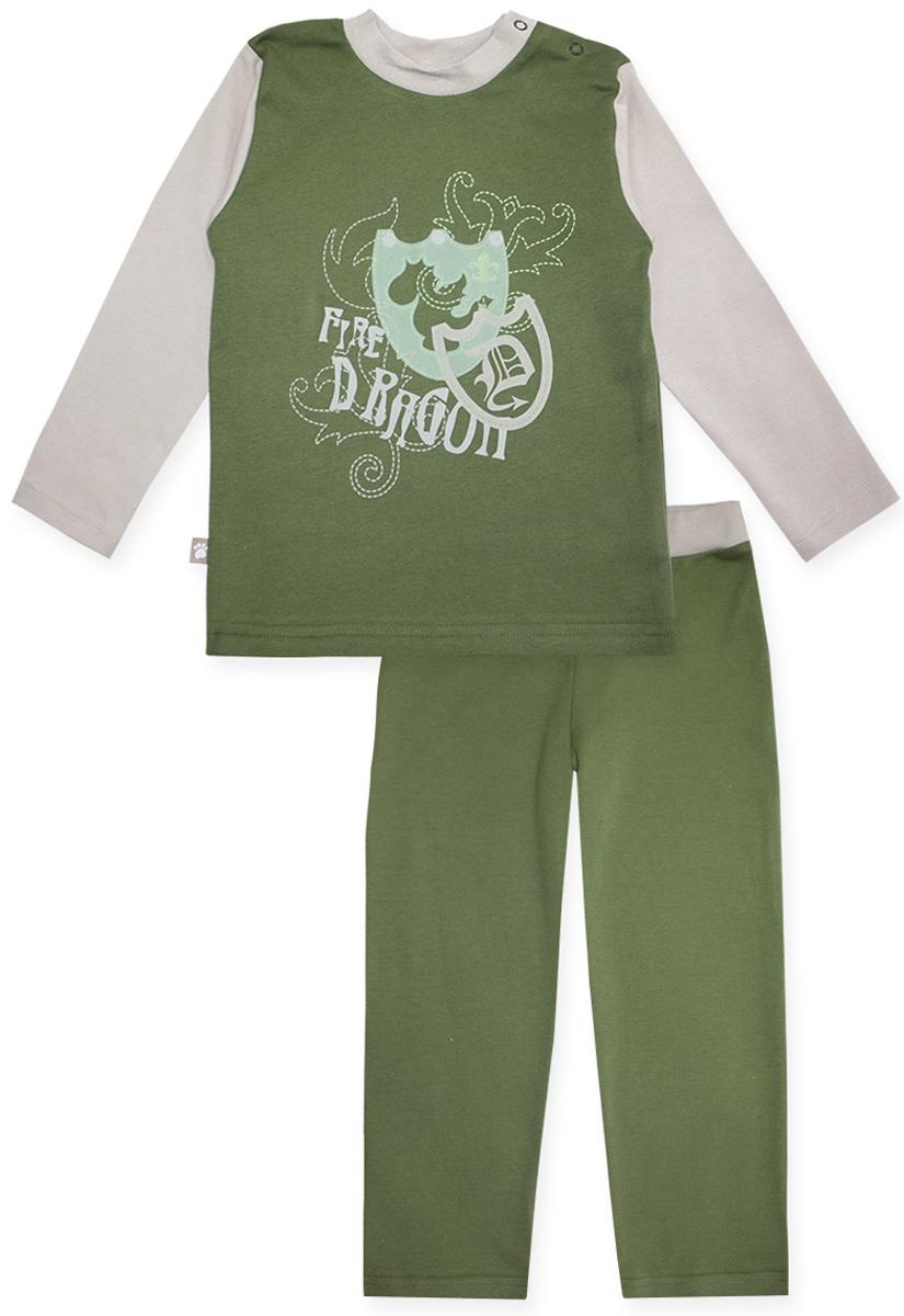 Пижама16653Пижама для мальчика КотМарКот Дракон включает в себя лонгслив и брюки. Пижама изготовлена из натурального хлопка. Лонгслив с длинными рукавами и круглым вырезом горловины дополнен двумя кнопками на плече для удобства переодевания. Лонгслив оформлен принтом с изображением двух щитов и надписью Fire Dragon. Свободные брюки дополнены широкой эластичной резинкой на поясе.
