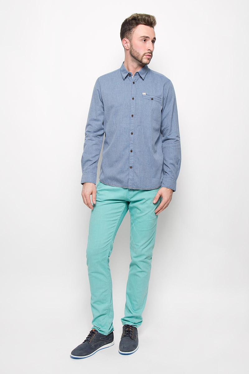 Рубашка2032236.00.10_6960Стильная мужская рубашка Tom Tailor, изготовленная из натурального хлопка, необычайно мягкая и приятная на ощупь, не сковывает движения и позволяет коже дышать, не раздражает даже самую нежную и чувствительную кожу, обеспечивая наибольший комфорт. Модная рубашка с длинными рукавами и отложным воротником застегивается на пуговицы. Рукава дополнены манжетами на пуговицах. На груди модель оформлена врезным карманом на пуговице. Эта рубашка - идеальный вариант для повседневного гардероба. Такая модель порадует настоящих ценителей комфорта и практичности!