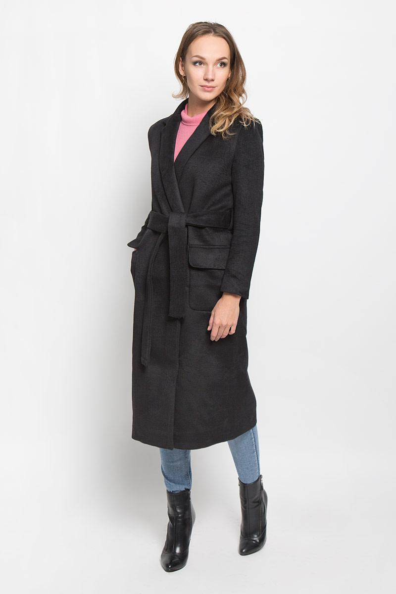 ПальтоCK3165_BLACKСтильное женское пальто Glamorous, выполненное из полиэстера, согреет вас в прохладную погоду и позволит выделиться из толпы. Изделие дополнено подкладкой из полиэстера. Модель с отложным воротником с лацканами на талии завязывается поясом. Спереди пальто оформлено двумя накладными карманами с клапанами. Такое стильное пальто станет прекрасным дополнением к вашему гардеробу, оно подарит вам комфорт и тепло.