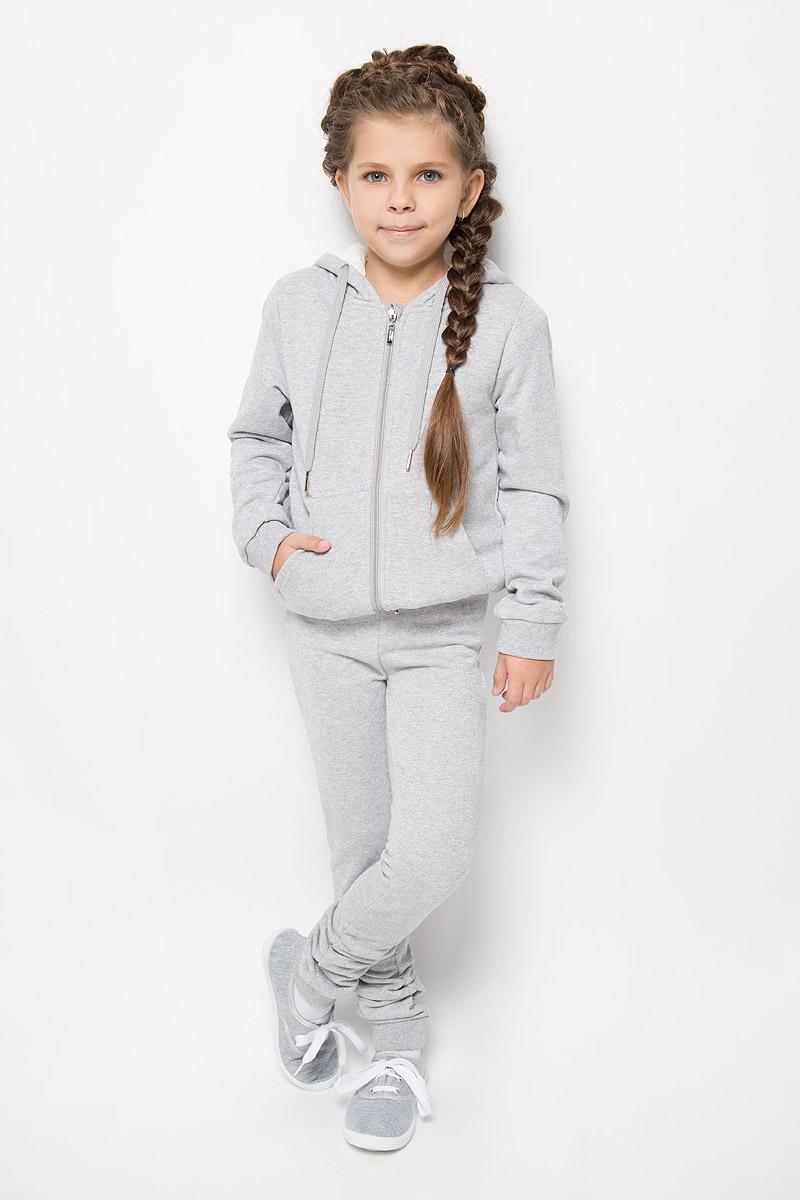 Брюки спортивныеPk-615/272E-6352Удобные брюки для девочки Sela идеально подойдут вашей маленькой моднице. Изготовленные из высококачественного материала, они мягкие и приятные на ощупь, не сковывают движения, сохраняют тепло и позволяют коже дышать, обеспечивая наибольший комфорт. Брюки имеют широкую мягкую резинку на поясе, благодаря чему не сдавливают живот ребенка и не сползают. Наружная сторона изделия гладкая, а внутренняя имеет начес. Такие брюки подойдут как для повседневной носки, так и для активных игр и занятия спортом. Практичные и стильные брюки идеально подойдут вашей малышке, а модная расцветка и высококачественный материал позволят ей комфортно чувствовать себя в течение дня!