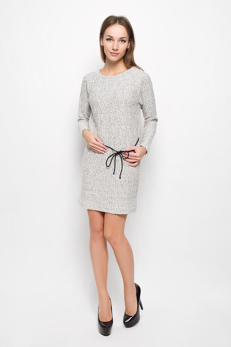 ПлатьеDK-117/204-6485Элегантное платье Sela Collection выполнено из хлопка с добавлением полиэстера. Такое платье обеспечит вам комфорт и удобство при носке и непременно вызовет восхищение у окружающих. Модель средней длины с длинными рукавами-реглан и круглым вырезом горловины выгодно подчеркнет все достоинства вашей фигуры. Вязаное платье дополнено съемным плетеным поясом на талии. Изысканное платье-миди создаст обворожительный и неповторимый образ. Это модное и комфортное платье станет превосходным дополнением к вашему гардеробу, оно подарит вам удобство и поможет подчеркнуть ваш вкус и неповторимый стиль.