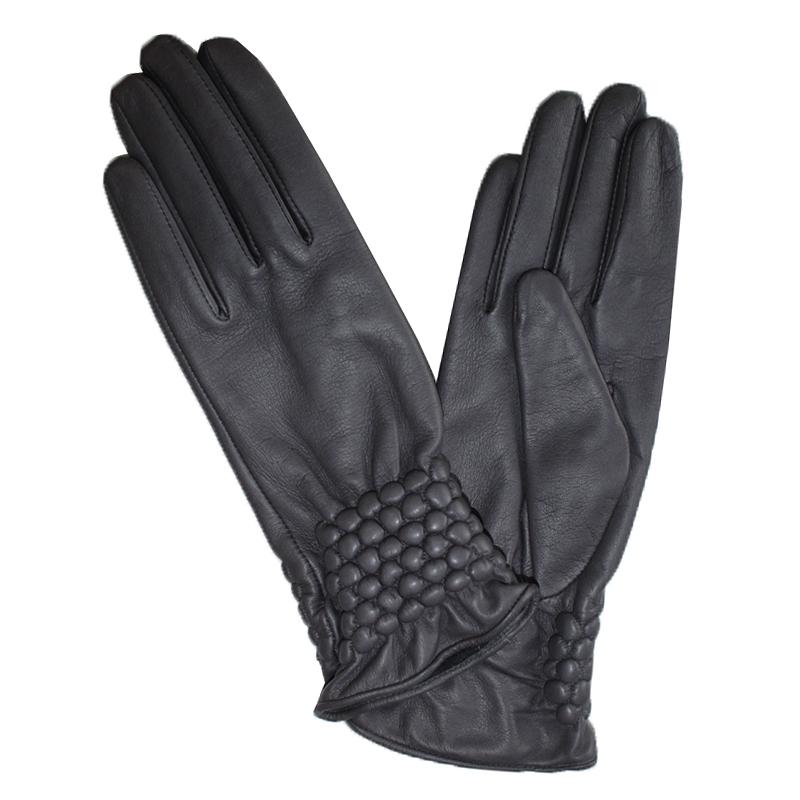 Перчатки женские Edmins, цвет: черный. Э-21L-1_534. Размер 6,5Э-21L-1_534Перчатки изготовлены из высококачественной английской кожи Pittards и итальянской кожи Gargiulo на современном технологичном оборудовании. Продукция соответствует международным стандартам качества.