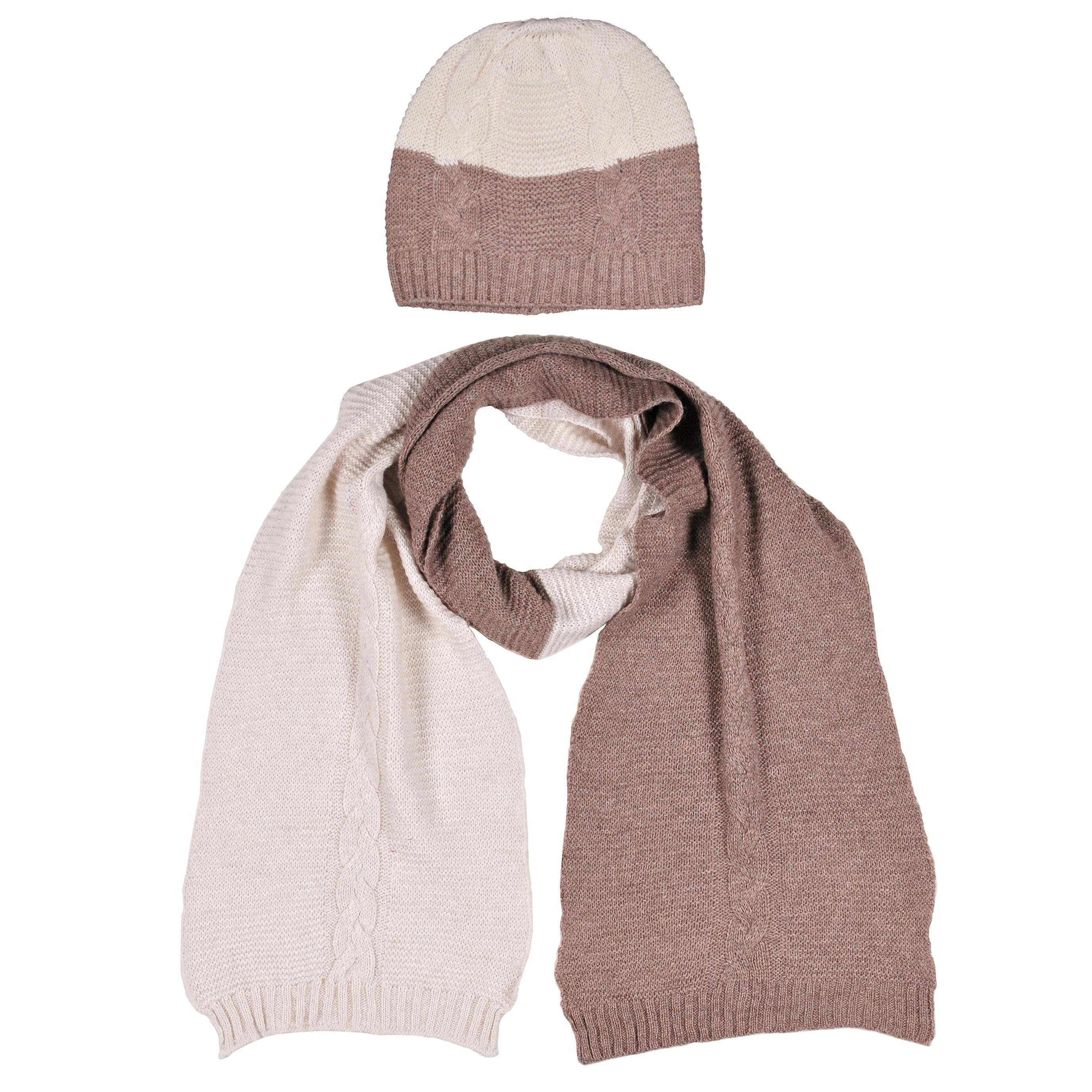 Комплект аксессуаров4-0038-006Модный вязанный комплект из шапки и шарфа с натуральной шерстью в составе. Шапка однослойная на резинке, рисунок - коса. Шарф однослойный, по торцевым сторонам резинка, рисунок - коса.