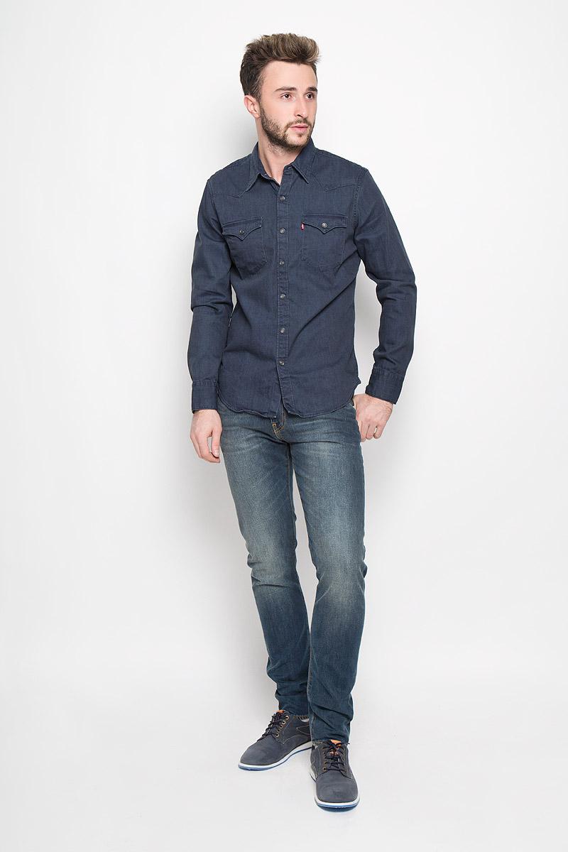 Джинсы2883300120Мужские джинсы Levis® 512 изготовлены из хлопка с добавлением эластана. Джинсы-слим с заниженной линией талии застегиваются спереди на молнию и пуговицу. На поясе предусмотрены шлевки для ремня. Спереди расположены два втачных кармана и один маленький накладной, а сзади - два накладных кармана. Джинсы оформлены эффектом потертости, перманентными складками и прострочкой.