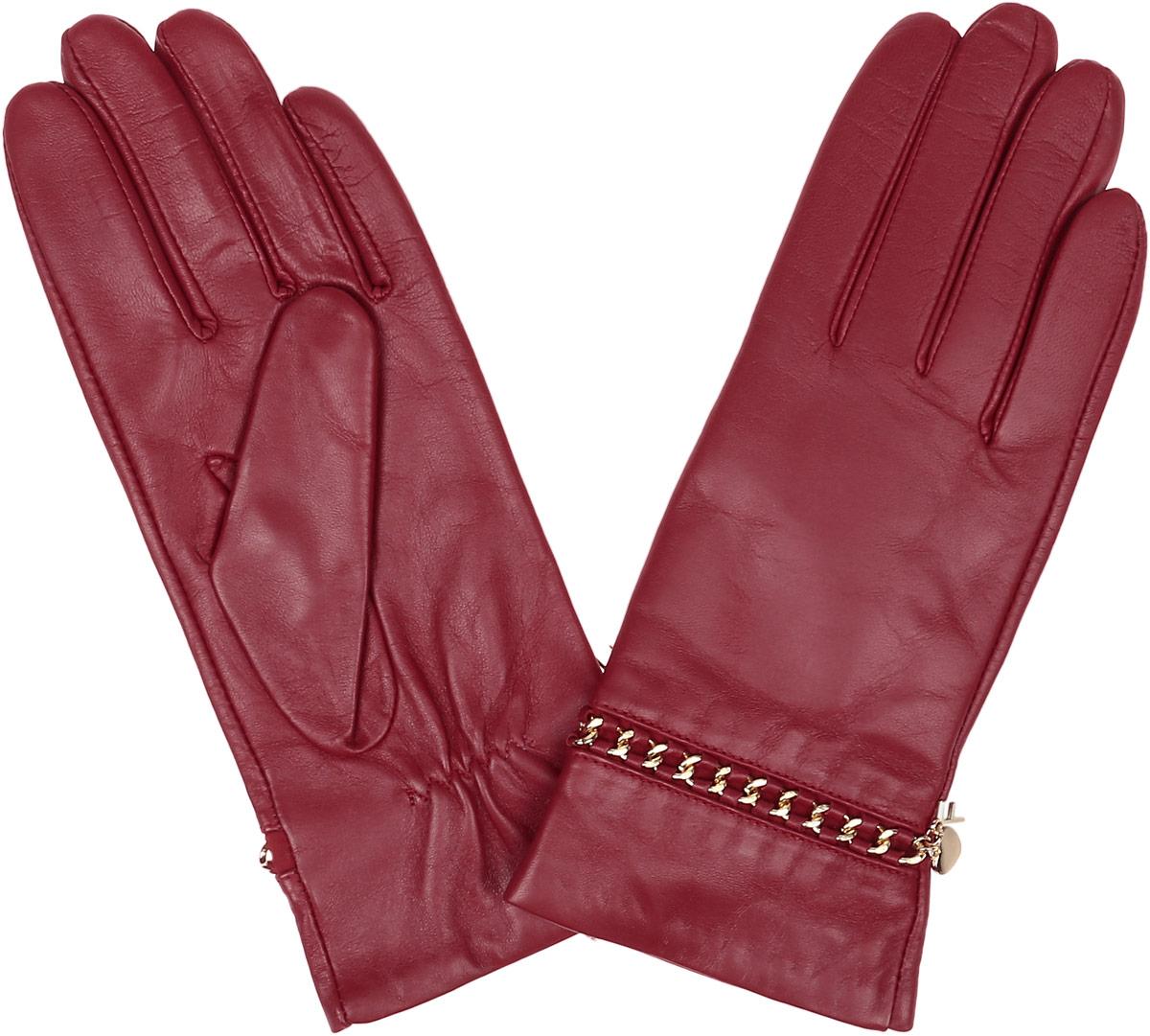 Перчатки9.87-11 blueСтильные женские перчатки Fabretti не только защитят ваши руки, но и станут великолепным украшением. Перчатки выполнены из натуральной кожи ягненка, а их подкладка - из высококачественной шерсти с добавлением кашемира. Модель оформлена металлическими звеньями и дополнена на запястье оригинальными строчками-стежками. Стильный аксессуар для повседневного образа.