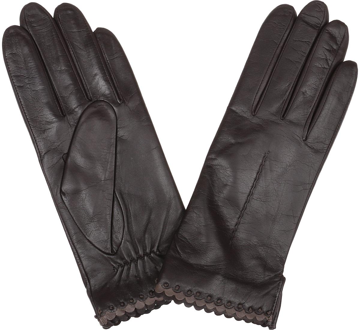 Перчатки женские Fabretti, цвет: шоколадный. 2.80-2. Размер 7,52.80-2 chocolateСтильные женские перчатки Fabretti не только защитят ваши руки, но и станут великолепным украшением. Перчатки выполнены из натуральной кожи ягненка, а их подкладка - из высококачественной шерсти с добавлением кашемира.Модель оформлена оригинальной каймой и строчками-стежками на запястье.Стильный аксессуар для повседневного образа.