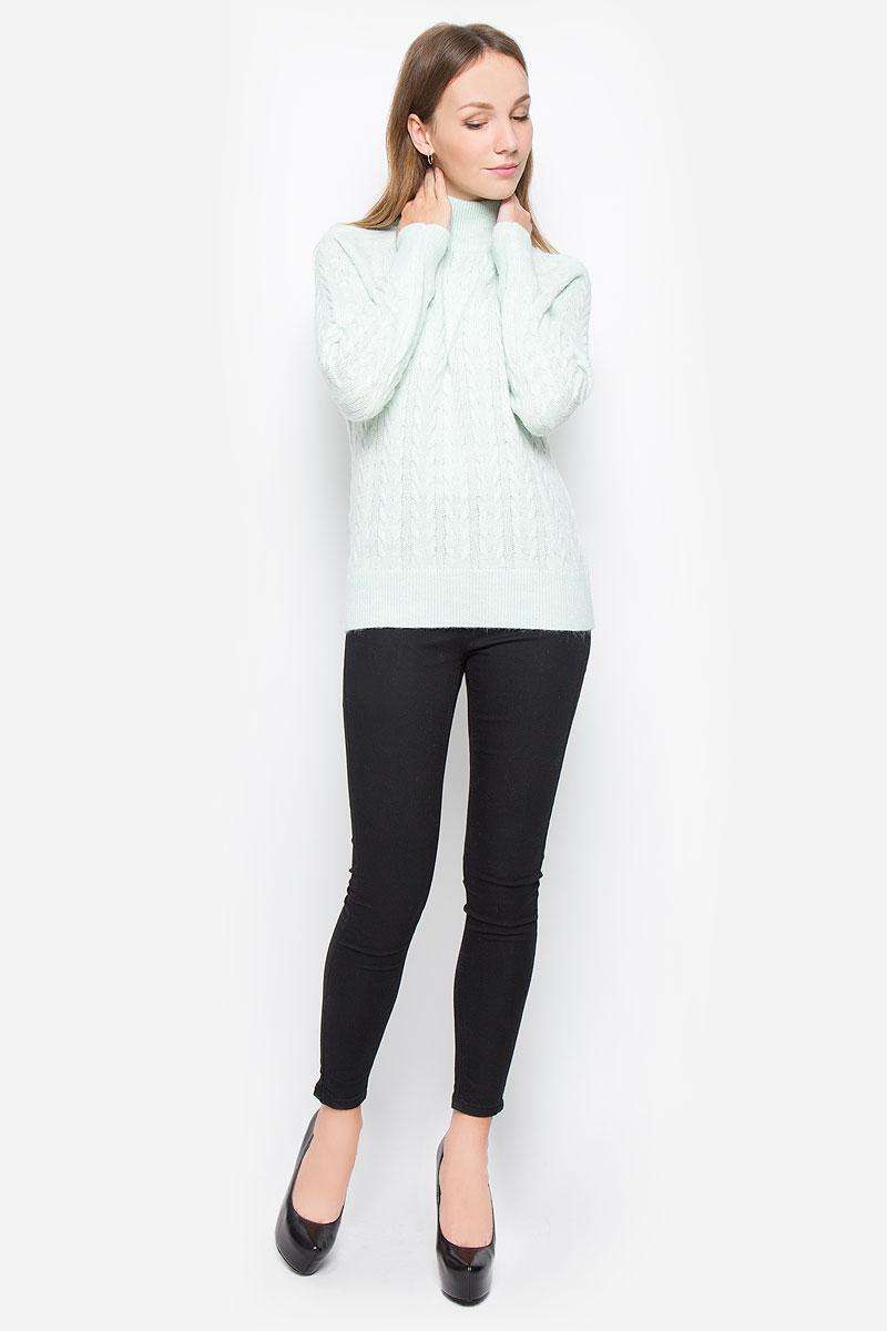 СвитерB136537_ZephyrТеплый женский свитер Baon выполнен из мягкой пряжи. Модель с воротником-стойкой и длинными рукавами-реглан оформлена вязаным узором. Воротник, манжеты и низ изделия связаны резинкой.