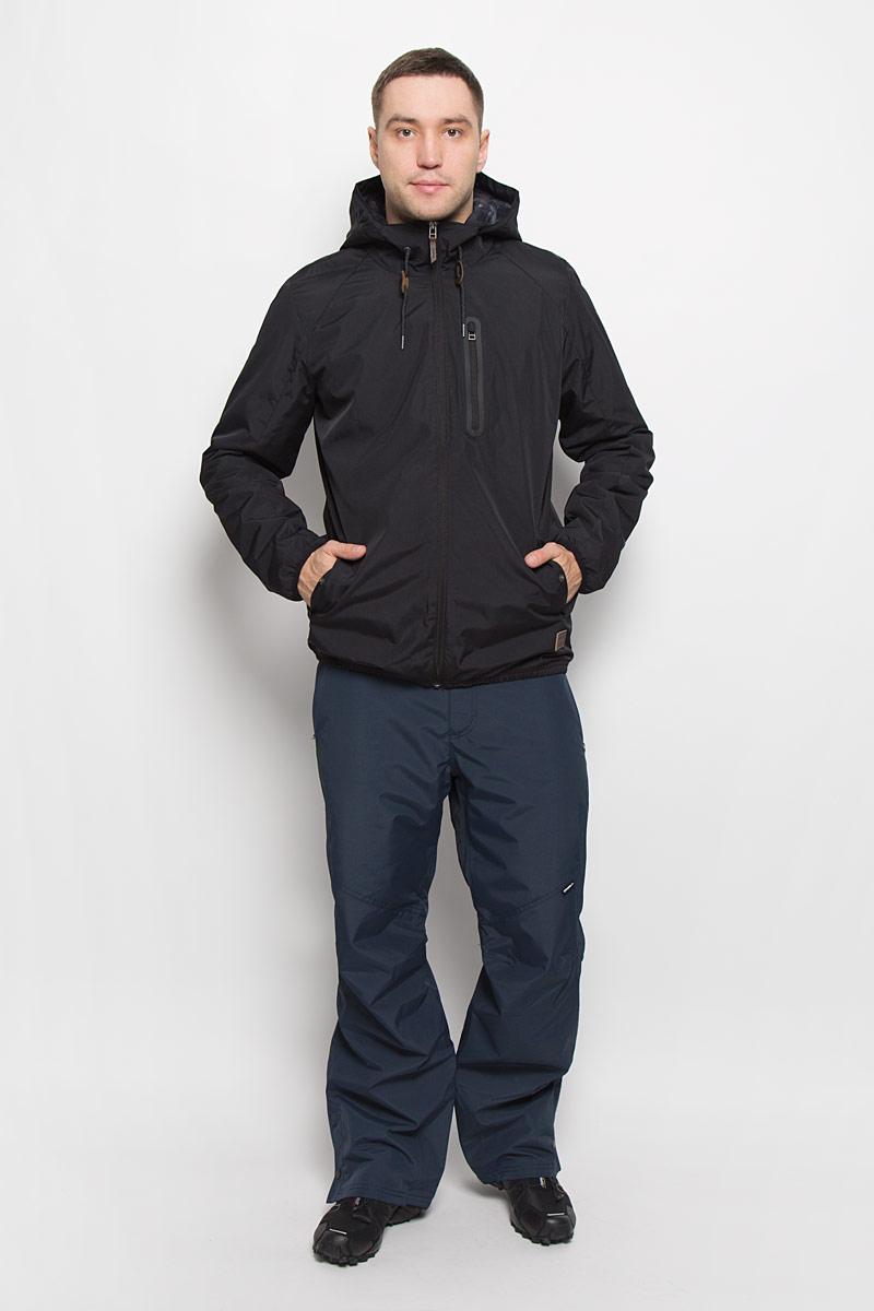 Куртка мужская ONeill Lm Illumine, цвет: черный. 651010-9010. Размер S (46)651010-9010Мужская куртка ONeill Lm Illumine с длинными рукавами и несъемным капюшоном выполнена из прочного полиэстера. Наполнитель - синтепон. Подкладка выполнена из полиамида. Куртка застегивается на застежку-молнию спереди. Рукава дополнены эластичными резинками. Изделие оснащено двумя втачными карманами на кнопках и втачным карманом на застежке-молнии спереди, а также внутренним втачным карманом на кнопке. Низ изделия дополнен эластичной резинкой, объем капюшона регулируется при помощи шнурка-кулиски.